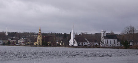 20 minutes later it's cloudy in Mahone Bay.